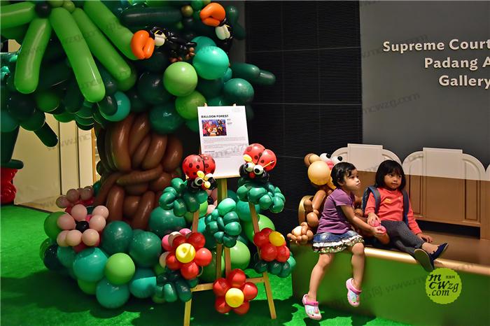 新加坡森林主题彩球美陈 商场气球装饰